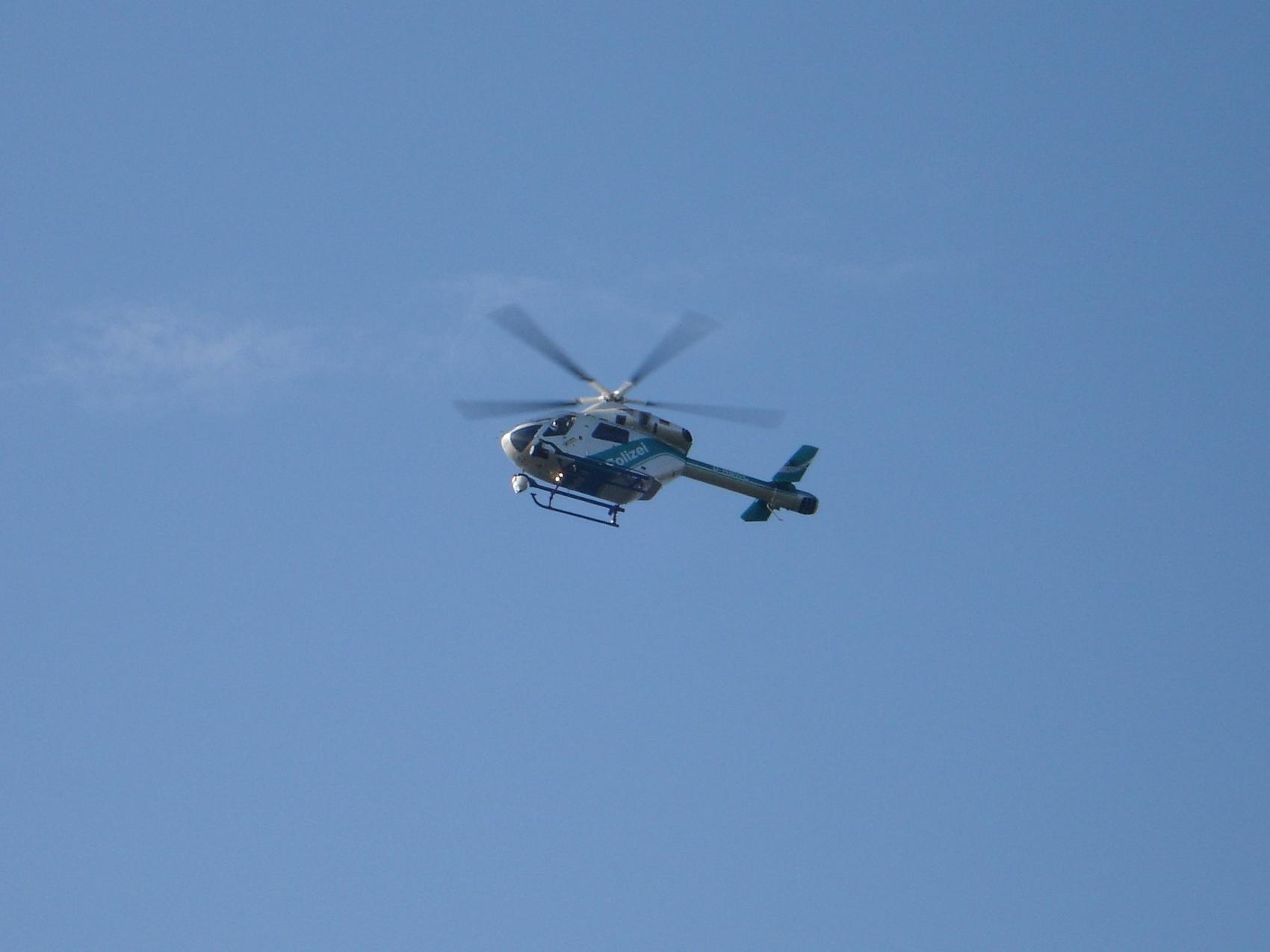 Polizeihubschrauber Flug
