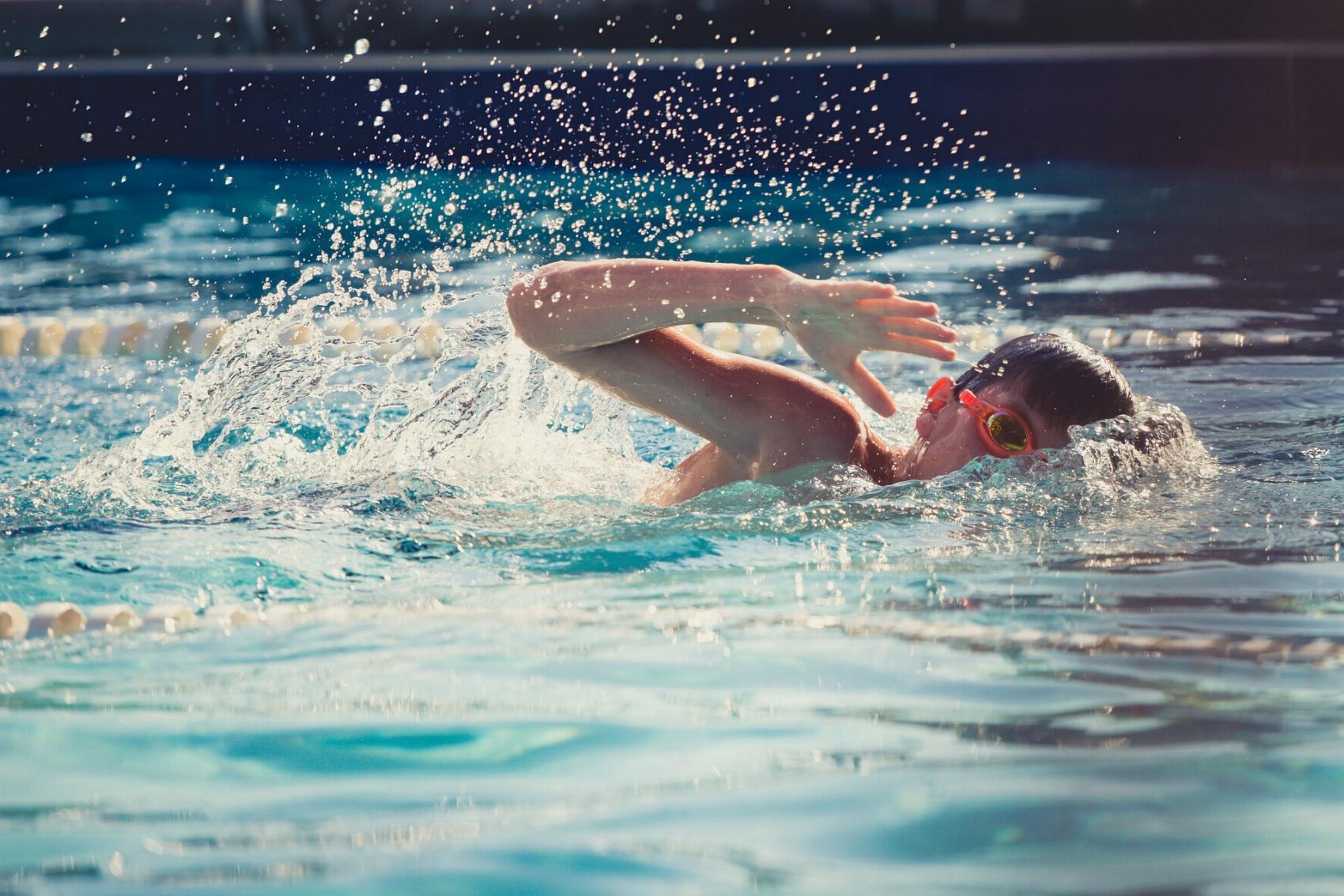 Schwimmen Kind Wasser Schwimmbecken