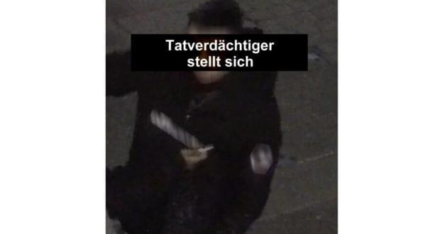 Augsburg-Taeter-Koenigsplatz-stellt-sich