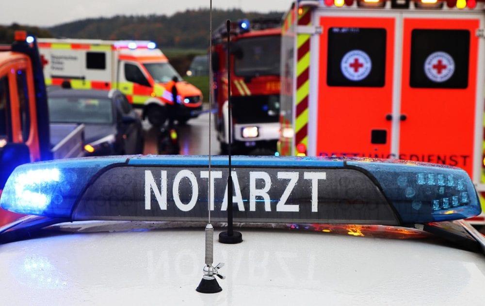 Notarztfahrzeug Polizei Feuerwehrfahrzeug