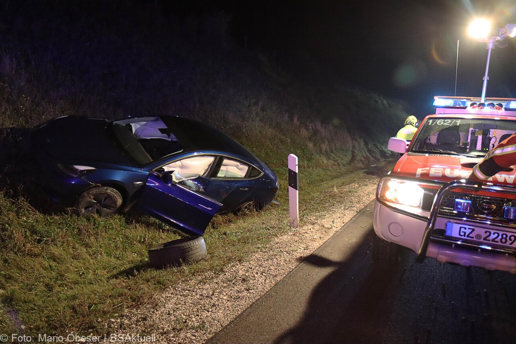 Unfall A8 Burgau – Guenzburg 15102020 Tesla 1
