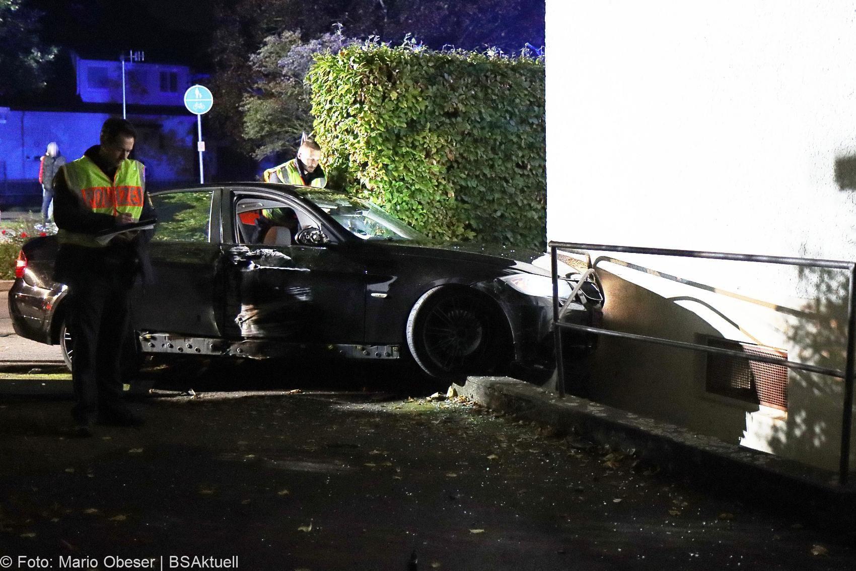 Unfall Guenzburg Pkw gegen Hauswand 04102020 6