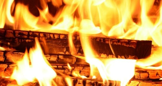 Feuer Brennholz Flammen