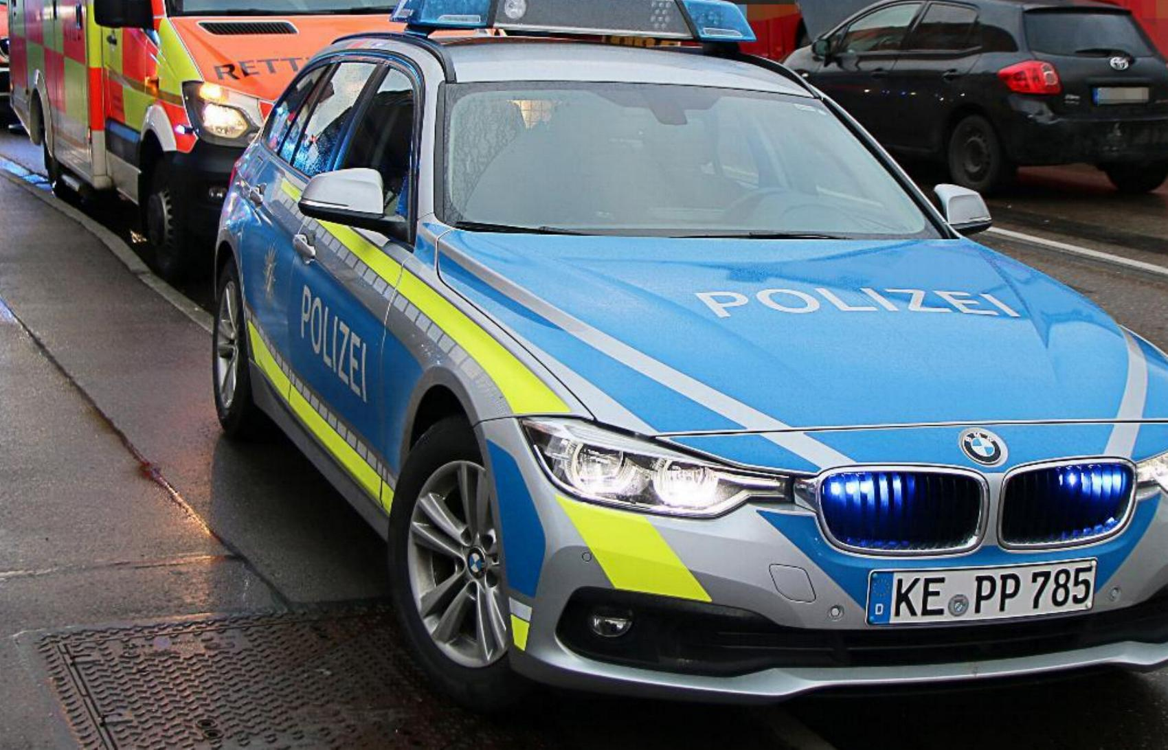 Polizeifahrzeug Straße