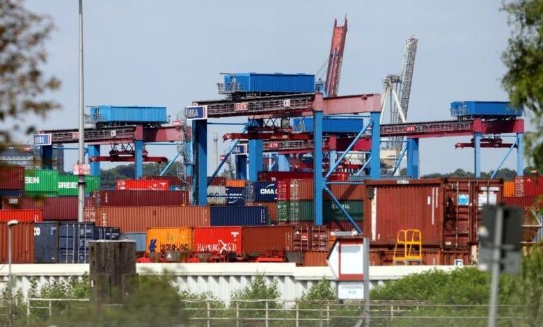 Container und Kraene dts