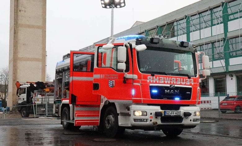 HLF20 Strasse Feuerwehr Guenzburg 2021 18
