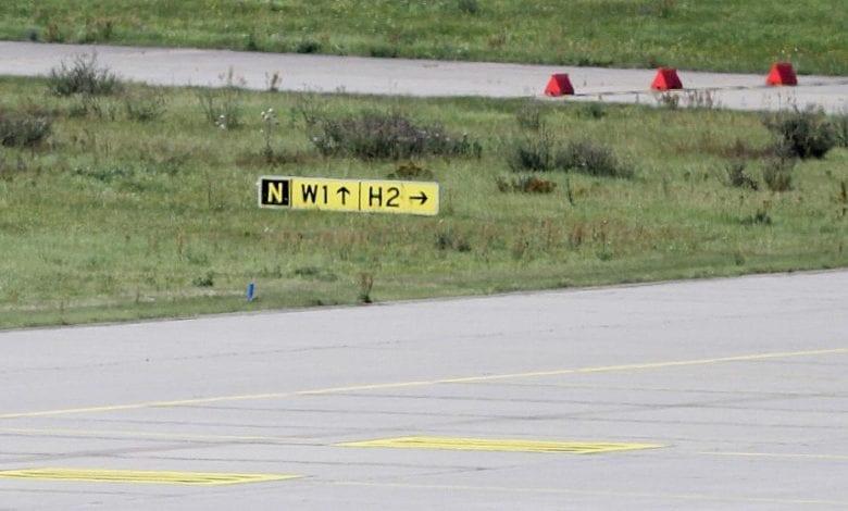 Start- und Landebahn an einem Flughafen dts